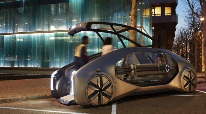 Renault EZ-GO at night